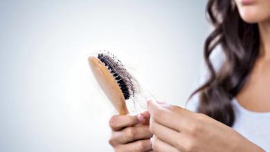 Saç Dökülmesi İçin Hangi Doktora Gidilir?